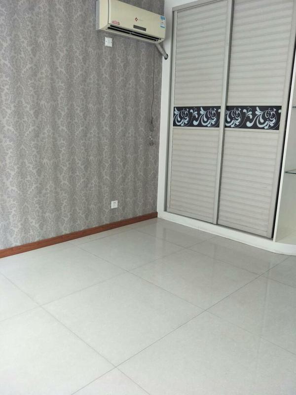 淄江南四区4楼  142平   200万  精装三室两厅